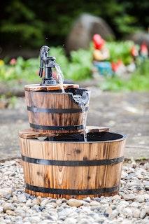 Heissner Gartenbrunnen Wooden Barrels mit 2 Kübeln (016591-00)
