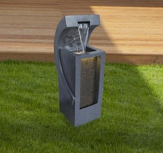 Gardenforma Wasserspiel Salvador, Polyresin inkl. Pumpe und LED-Beleuchtung