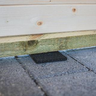 Feuchtigkeitssperre / Gummigranulat Unterleg-Pads für Gartenhäuser 96 Stück