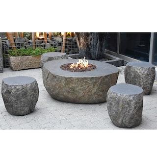 Gardenforma Sitzgruppen-Set: Gas Feuerstelle Vesuv in Basaltoptik aus Faserbeton & 4x Hocker