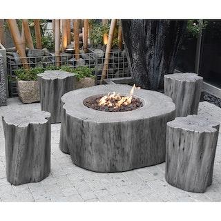 Gardenforma Sitzgruppen -Set: Gas Feuerstelle Manchester aus Faserbeton in Baumstammoptik, hellgrau & 4x Hocker