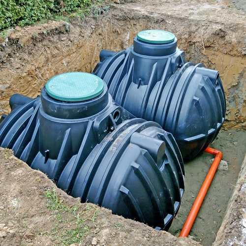 Regenwassernutzung mit Erdtanks und Zisternen