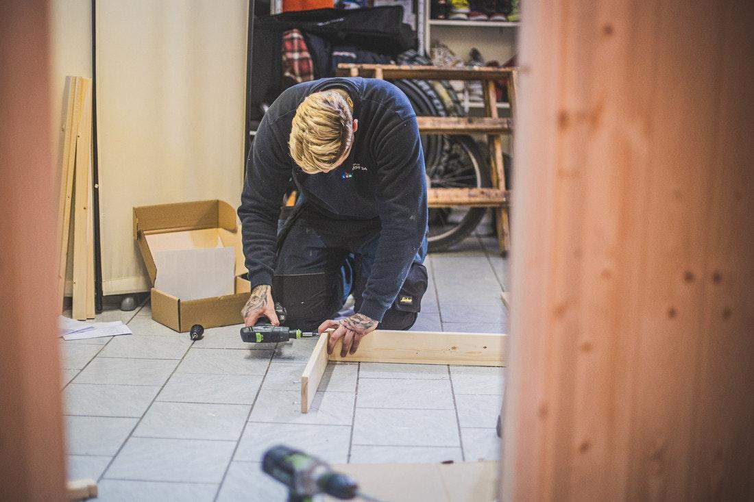 Die Plug&Play Element-Sauna mit 230V Saunaofen ist ideal geeignet, um auch ohne Handwerkliche Vorkenntnisse ganz einfach aufgebaut zu werden!