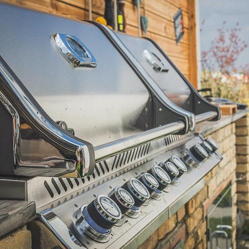 Grillartenvergleich: Kohle-, Gas-, Elektrogrill und Smoker