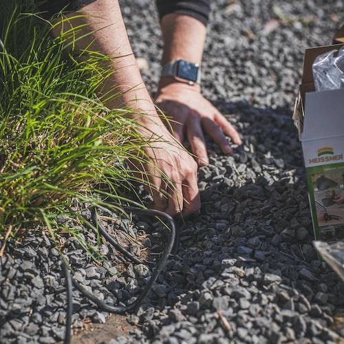 Gartenbeleuchtung – Kabel versteckt verlegen