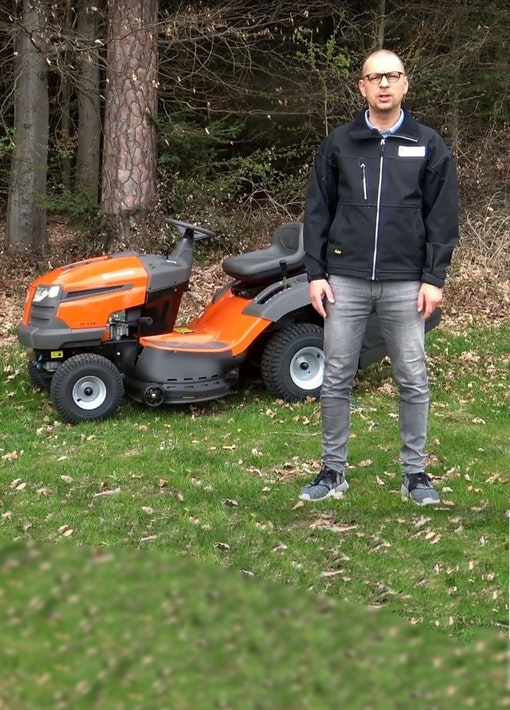Test mit Video: Husqvarna TC 138 Rasentraktor