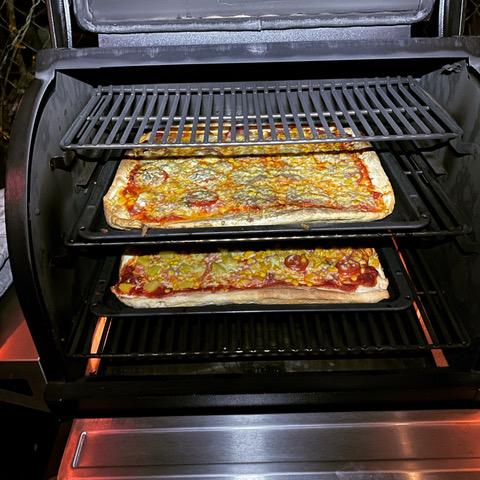 Pizza mit Traeger Timberline Pelletsmoker