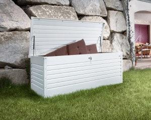 Biohort Freizeitbox weiß im Garten