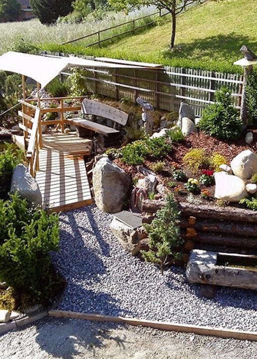 Meine Gartenoase mit Bachläufen