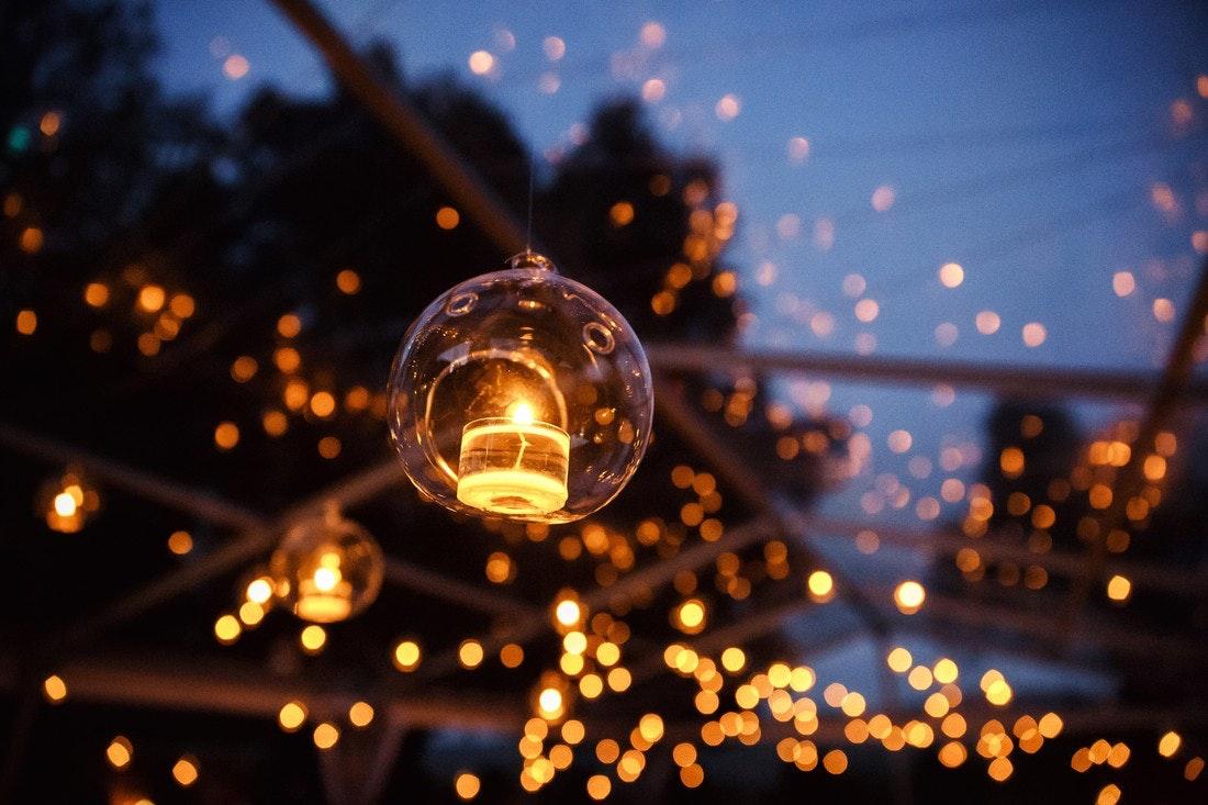 Lichtermeer im Garten genießen