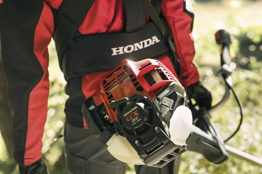 Die Freischneider von Honda werden mit kleinen aber powervollen 4-Takt-Motoren angetrieben
