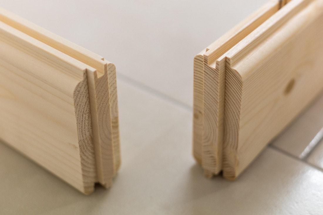Massivholzbohlen mit Nut und Feder Verbindung