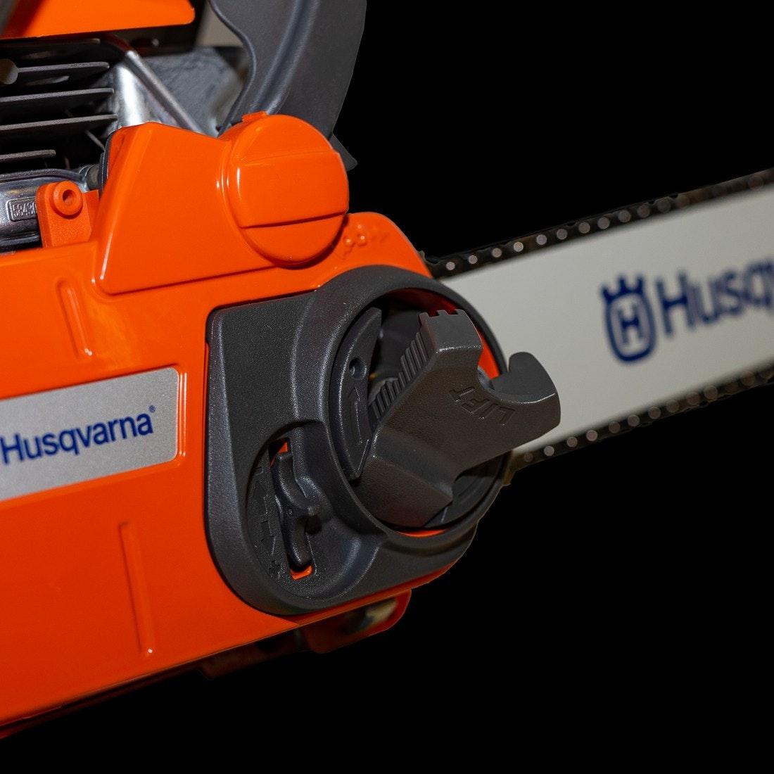 Husqvarna 135e Werkzeugloser Kettenspanner