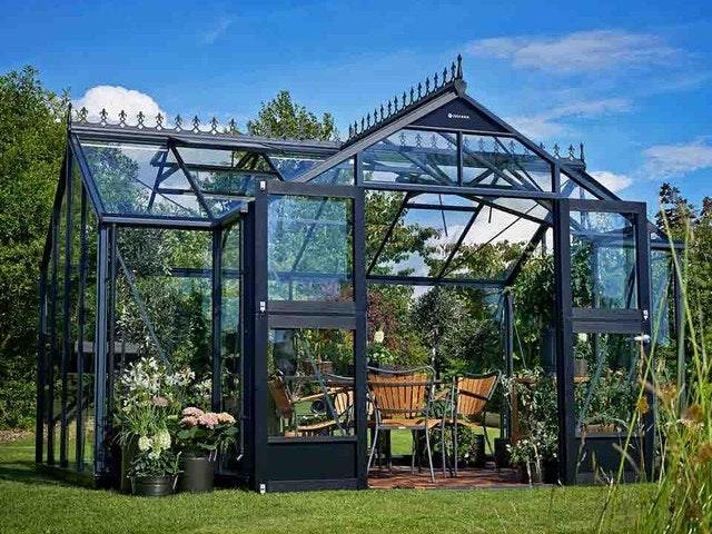 Das Gewächshaus Orangerie von Juliana verfügt über elegante und traditionelle Designelemente