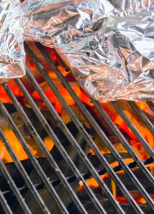Alufolie beim Grillen - praktisch und vielseitig