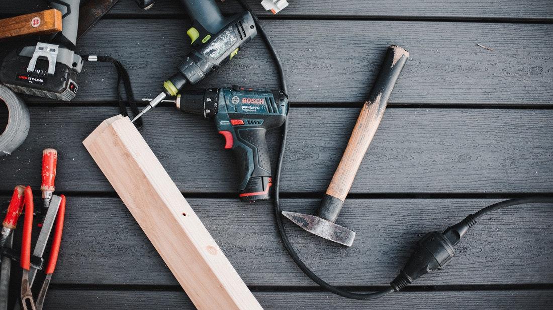 Werkzeug für den Bau der Terrasse