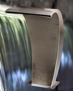 Gardenforma Wasserspiel Bend aus Edelstahl