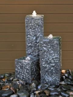 Gardenforma Wasserspiel-Set Philadelphia mit 3 Granitsäulen