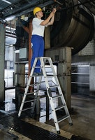 Günzburger Aluminium-Stehleiter beidseitig begehbar mit clip-step R13