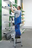 Günzburger Alu-Stehleiter 250 kg beidseitig begehbar mit clip-step R13
