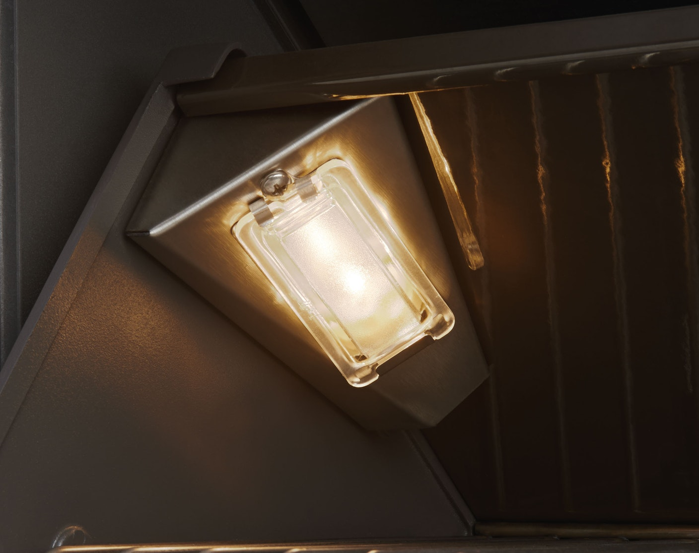 https://assets.koempf24.de/pro_interior_lights/Napoleon_Produktbild.jpg?auto=format&fit=max&h=800&q=75&w=1110