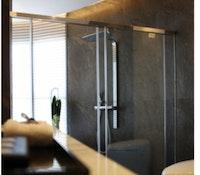 Schrankwand-klein-duschkabine-1